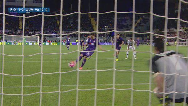 Nona vittoria consecutiva per la Juventus. Mandzukic Kalinic e Morata i gol della partita. Buffon para un rigore. Traversa della Viola al 94'.