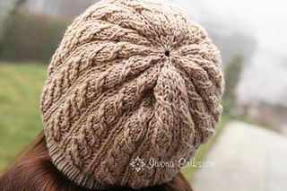 Camello hat by Iwona Eriksson