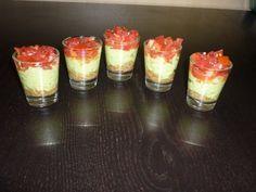 avocat, thon, tomate, crème fraîche épaisse, citron, Huile d'olive, Sel, Poivre