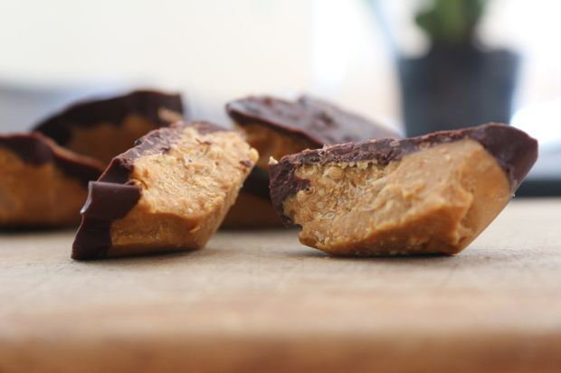 Healthy Peanut Butter Cups | procrastabakers