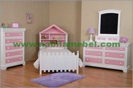 Set Kamar Tidur Anak Princess kami produksi dengan bahan baku kayu perhutani yang dapat menjamin kualitas bahan baku yang kami gunakan merupakan furniture jepara produk mebel jati