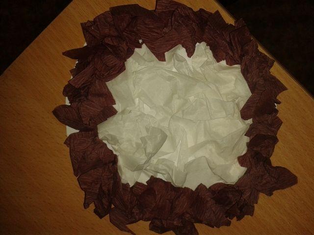 masopust - koláč - mačkání krepového papíru