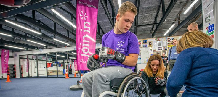 Ben Rowlings passed on conditioning tips to the members of Redditch ABC's Disability Boxing Programme