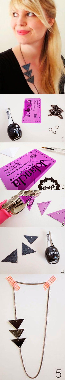 Colar geometrico de cartão