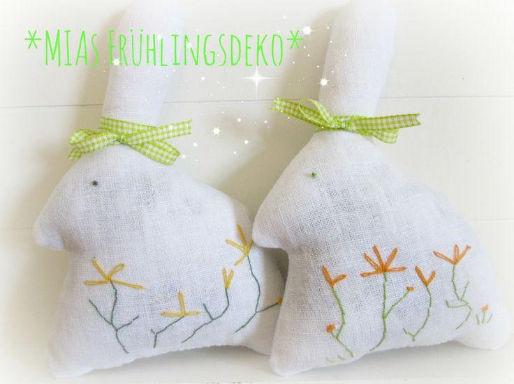 Duftendes Leinen-Kaninchen - die Füllung wurde mit Lavendelblüten vermischt. kaufBar: www.miasmarkt.de