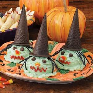 "They called these cones ""bewitching"" and I just love that. The chocolate cone hats are the best.Halloween Recipe, Cones Recipe, Bewitched Ice, Halloween Treats, Halloween Food, Great Ideas, Holiday Cottages, Icecream, Ice Cream Cones"