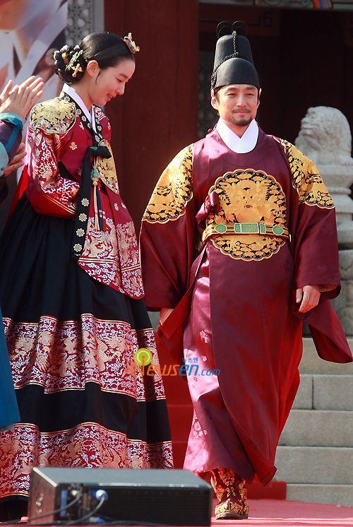 Korean drama [Dong Yi]   = 희빈장씨 [Lady Jang Hui-bin] & 숙종 [King Sukjong]  -  이소연&지진희