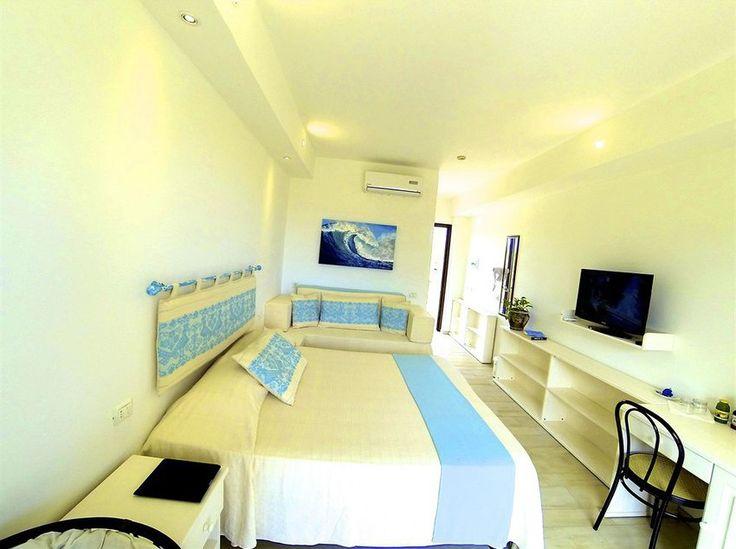 Pi di 25 fantastiche idee su camere da letto rustiche su for 2 camere da letto 2 piani del bagno