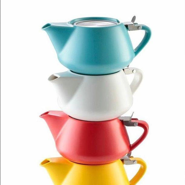 Fritz tea pots, £20 #alisonappleton #tea #teapot #love #ceramicdesign #darcy #colourful #looseleaftea #cute #picoftheday #nofilter