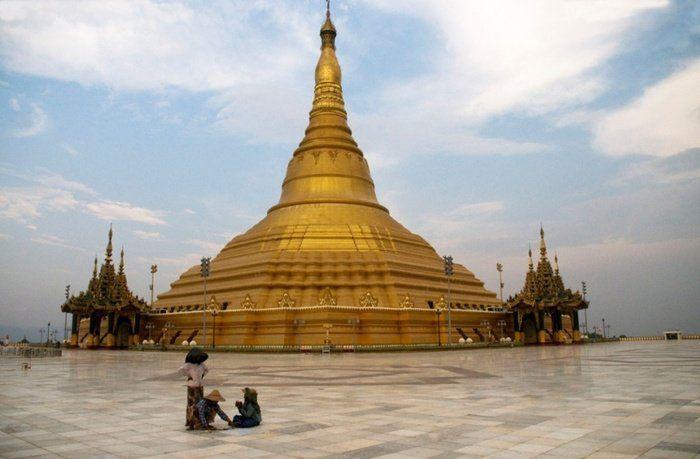 Naypyidaw capitale fantôme  70 fois plus grande que Paris et pourtant 2 fois moins peuplée