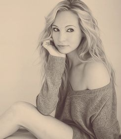 #CandiceAccola