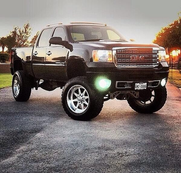 Black Lifted GMC 2014 Sierra Truck nice lights