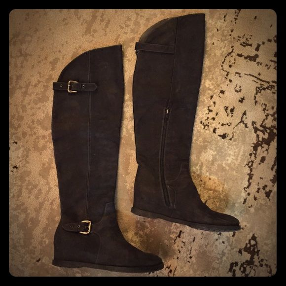 SALEBlack Italian leather over the knee boots gently worn Black Italian leather over the knee boots, good condition with hidden small wedge. made in Italy, very comfy! Shoes Over the Knee Boots