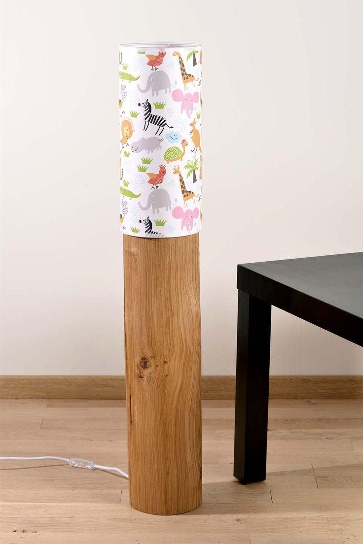 La savane dans la chambre de votre enfant avec cette belle lampe en bois massif motif animaux de la savane : http://www.decostock.fr/lampadaire-original-pour-chambre-enfant,fr,4,blumen-lampe-lumetto90keedz.cfm#.UqnSMvTuKt4