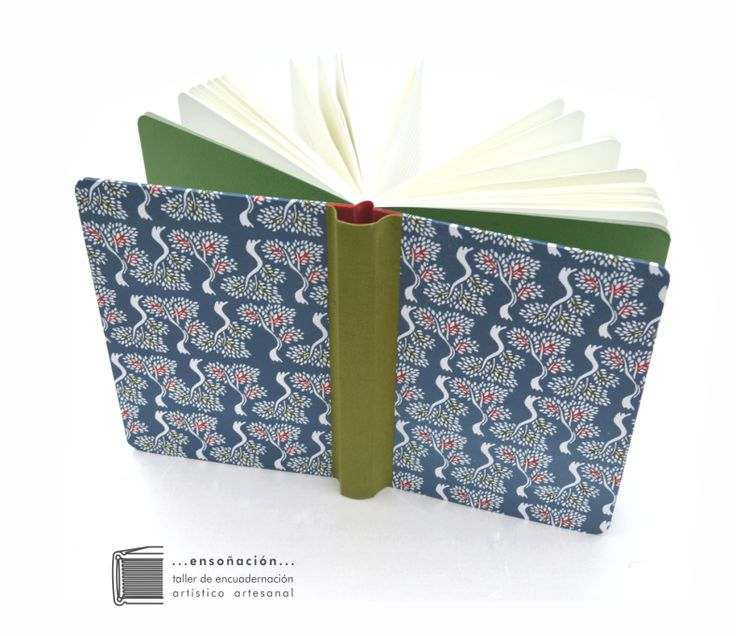 • Árboles •  Encuadernación Sewn Boards – Tapas cubiertas de papel y tela – 100 hojas rayadas color ahuesado de 80grs – tamaño A5: 15x21cm – Puntas redondeadas