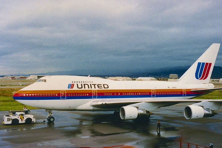 United Airlines Boeing 747SP-21 N141UA getting a tow at Oakland-International, circa 1987. (Photo via Flickr: Clayton Eddy)