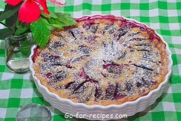 Clafoutis with plums