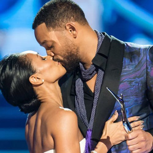 http://www.eonline.com/news/640728/will-smith-kisses-jada-pinkett-smith-and-touches-her-butt-at-black-girls-rock-talks-marriage-rumor-see-pics
