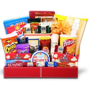 Alder Creek Snack Attack Gift Basket. So fun! Great gift idea for college kids or anyone really.
