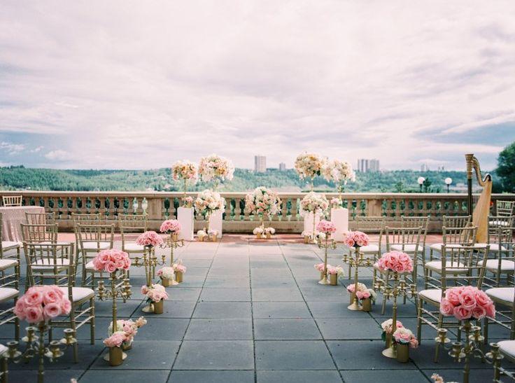 Fairytale Edmonton Wedding at Fairmont Hotel Macdonald, CAN  Perfect rooftop setting!  Photography: Justine Milton