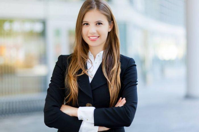 Concierge en entreprise :  Etudes, diplômes, salaire, formation, rôle, compétences   Carrière Hôtesse