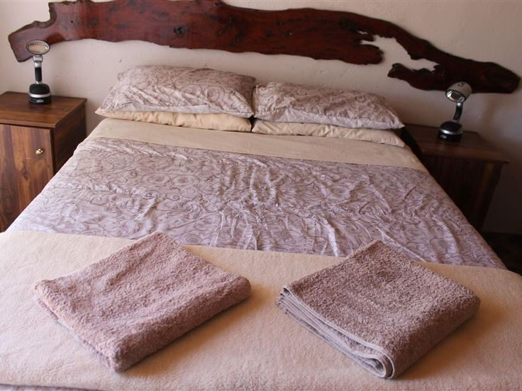 Vetkuil Accommodation - Vetkuil Accommodation offers true farm-style accommodation just 23 km from Beaufort West. Come and stay in one of three self-catering units and experience a genuine and relaxing Karoo farm experience.All ... #weekendgetaways #beaufortwest #southafrica