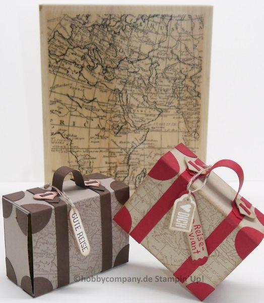 Ein Koffer mit Reiseproviant als Geschenkverpackung