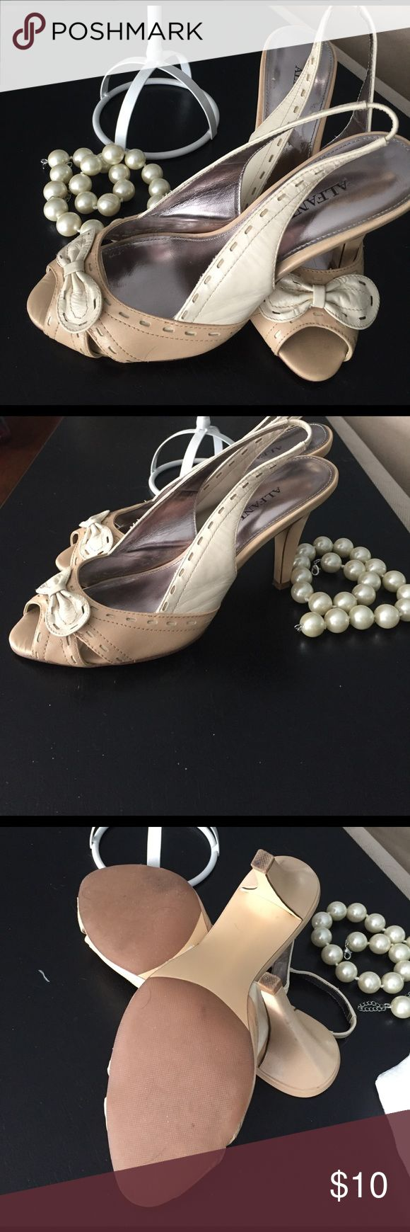 Alfani Women's Slingback Shoes Size 6 These Alfani Slingbacks are gently used. In excellent condition. Beige and cream with adorable cream bow on front.  3 1/2 inch heel. Alfani Shoes Heels