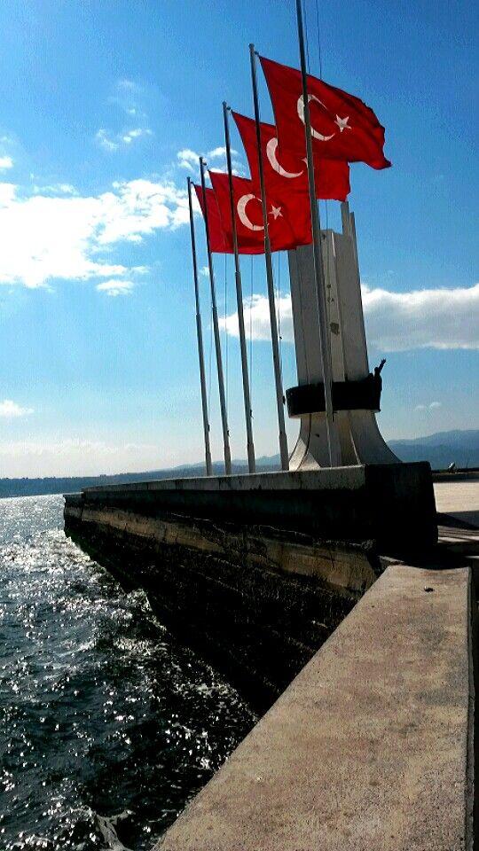 Karşıyaka- Anıt.