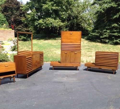 Mid Century Modern Dania Series Bedroom Furniture American Of Martinsville