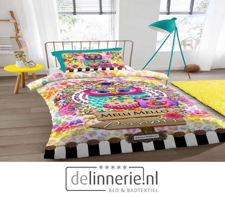 Een prachtig gekleurd dekbedovertrek met uiltjes, bloemen en grafische patronen #delinnerie #beddengoed #mellimello #kleurrijk
