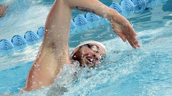 William Meynard à la piscine olympique de Dijon en préparation aux championnats du monde de natation en juillet 2013 © Damien Rabeisen
