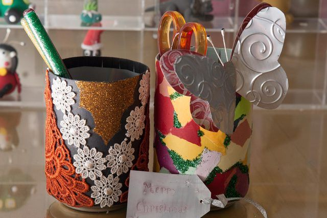 How to Do Crafts With Waste Materials (with Pictures)   eHow