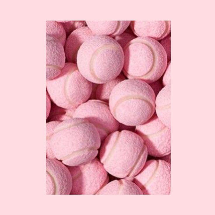 #temporarywardrobe #pink #rose #style #colour #fashionrental  @temporarywardrobe #kleiderleihen #kleidermieten #fashioncirculation #fashionrental #fashiontorent #sharing #sharingeconomy #slowfashion #kleiderverleih #girlboss #tennis #balls