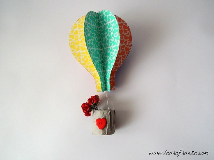 Hot air balloon made of craft paper and toiler paper roll