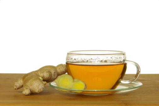 El jengibre es una de las plantas más populares en la medicina tradicional china; además, es un antiinflamatorio natural que ayuda a combatir enfermedades respiratorias, artrosis yproblemas digestivos.