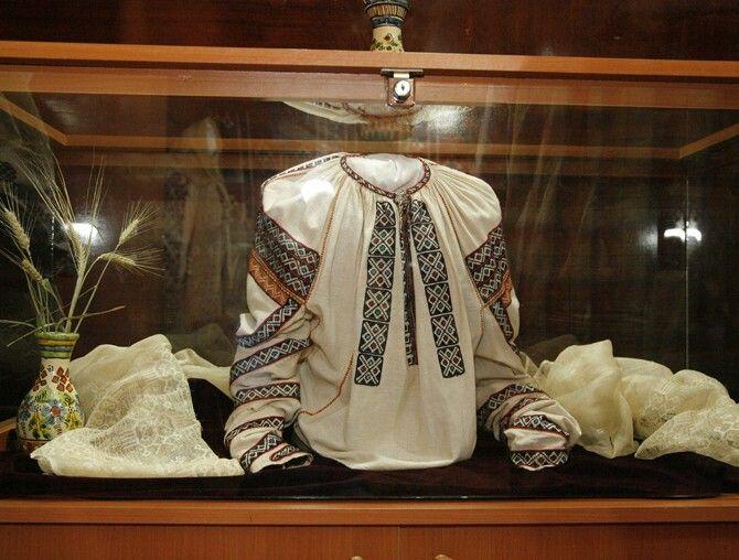 Ie de Vrancea. Romanian blouse - Vrancea region