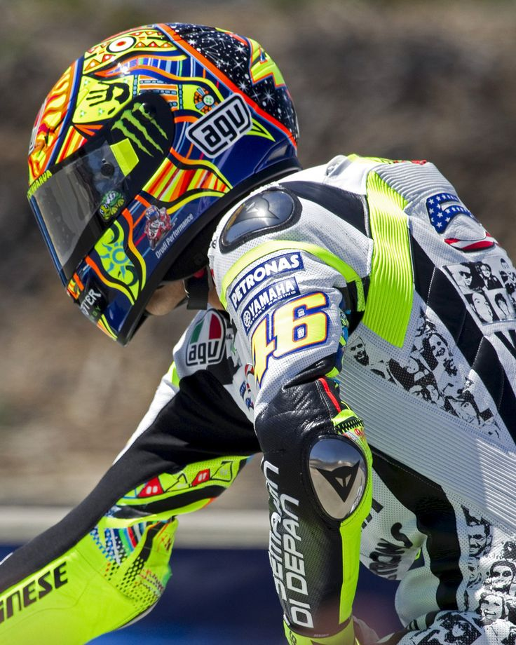 17 Best Ideas About Valentino Rossi 46 On Pinterest