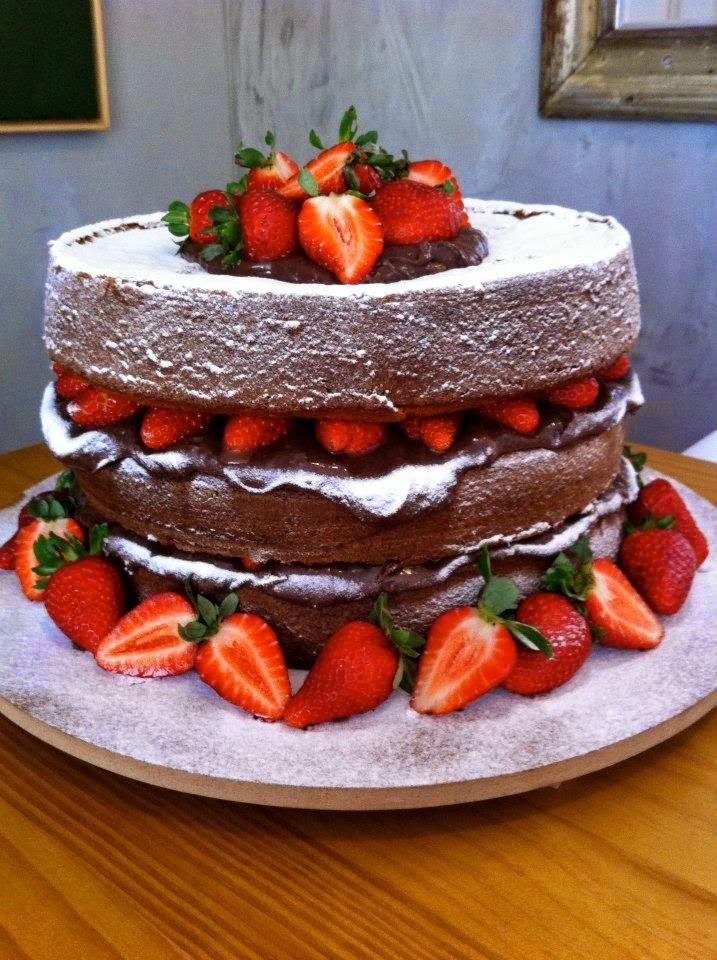 Naked Cake de chocolate belg e chantily by Carolinas Feito em Casa <3