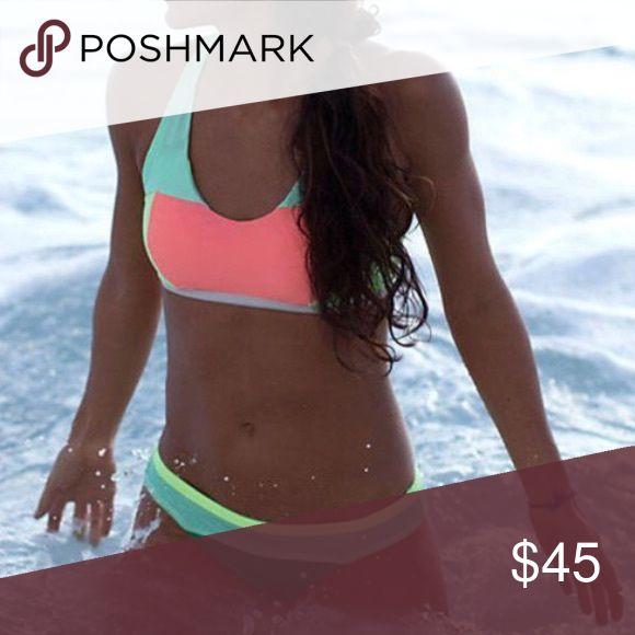 🆕 Lululemon Green bikini bottoms 🆕 Lululemon Green bikini bottoms. Never worn!  Too small for me 😢 Stock photo lululemon athletica Swim Bikinis