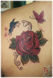 tatuagens de rosas com borboletas nas costas - Pesquisa Google