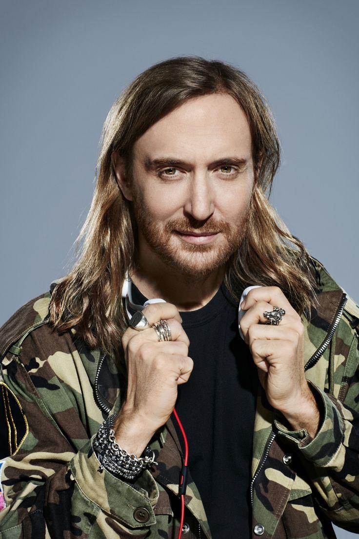 David Guetta, Cedric Gervais y Chris Willis se unen a Guetta en la creación de un Nuevo himno. Descúbrelo en café y cabaret.