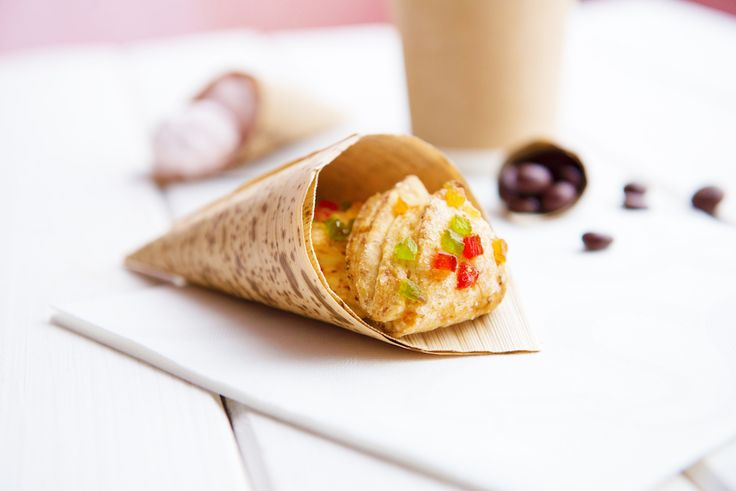 These Large Bamboo Cone are shipped in a 200 count box, just the right amount for casual or upscale restaurants, indoor or outdoor catering events and small to large party functions. Each cone measures 3 inches in length x 7 inches in height x 3 inches in width.