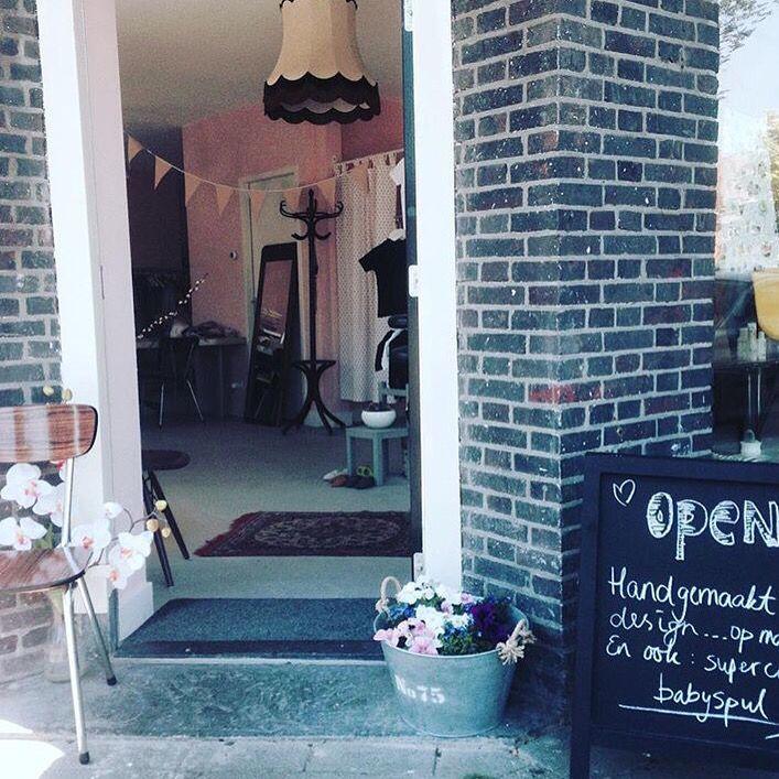 SHOPPING TIME! | De kleding van 'aGirlCalledCat' shop je namelijk ook bij deze toffe Concept store! | Ellen Benders Concept Store - Van rijnstraat 2 - Amsterdam | Openingstijden: dinsdag t/m zaterdag van 12:00 tot 17:00 uur