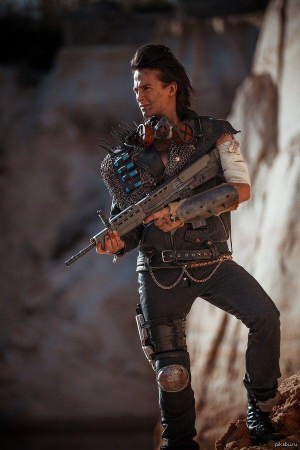 """Мой ориджинал по мотивам """"Mad Max"""")) Костюм склепал сам из того что было под рукой впечатленный вселенной Безумного Макса))"""