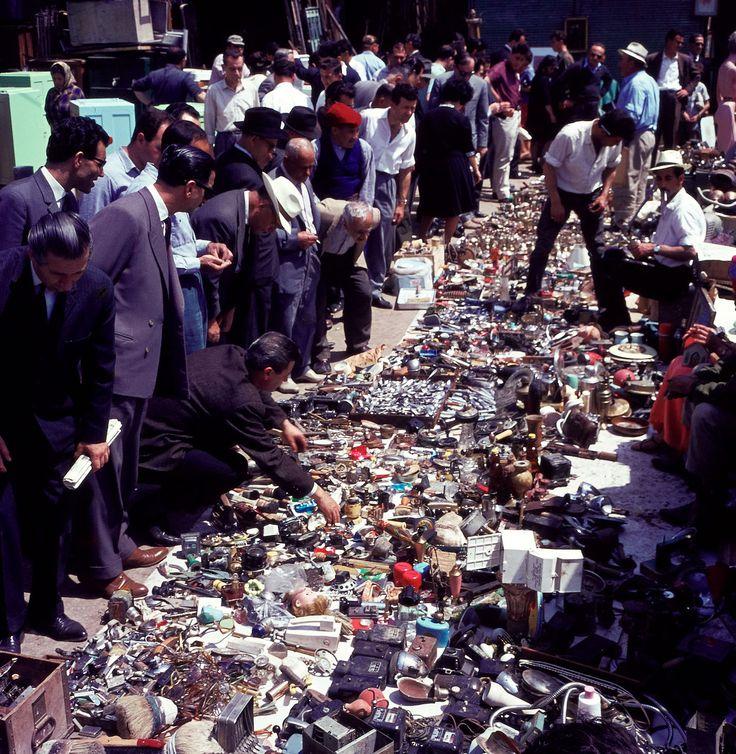 1966. Πλατεία Αβησσυνίας. Διαλέχτε.