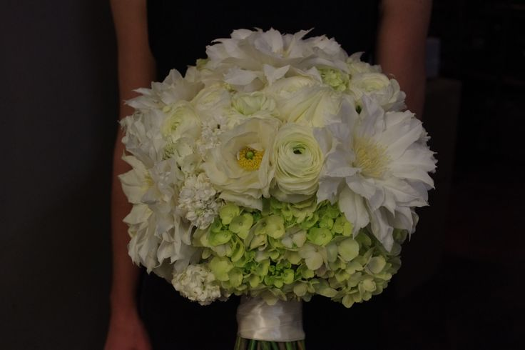 Beautiful Whiter than White Clematis flowers substituting for White Peony in very early Spring / October Wedding