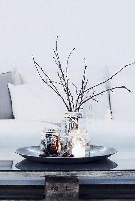 Los materiales naturales como las ramas secas y las piñas son tendencia en decoración de Navidad 2014 #tendencias #decoracion #Navidad