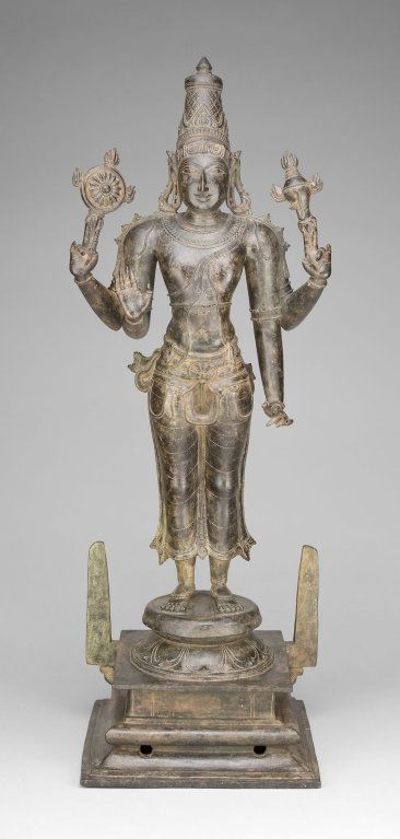 Caturbhuja Śriman Nārāyaṇa Four-Armed form of Lord Viṣṇu wielding Discus (cakra) and Conch (śañkha) Bronze, Vijayanagar Period, 15th Century CE Chicago Arts Institute