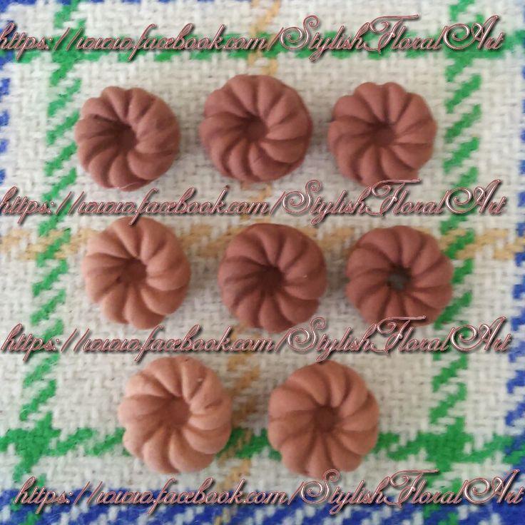 Tiny decoden biscuits